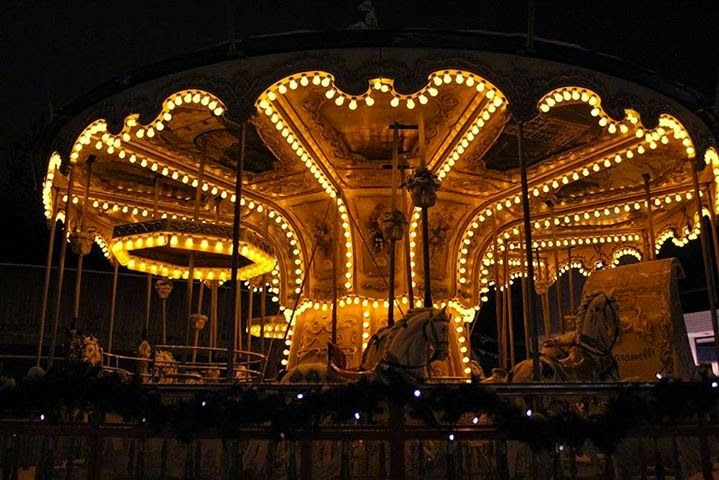 Karamelli-karuselli iltaloistossaan. Candy Carousel @ Särkänniemi Adventure Park. #sarkanniemi #tampere, visit: http://www.sarkanniemi.fi