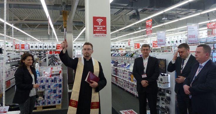 Czy Polska to naprawdę katolicki kraj? Czy przestrzegamy wskazań Ewangelii? A może katolicyzm w Polsce to tylko obsługa eventowa wydarzeń i ceremonii?