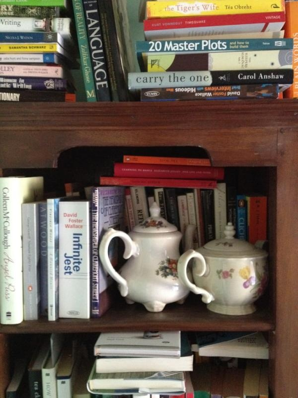 Day31: Inside - need more shelving by @Julie_Proudfoot