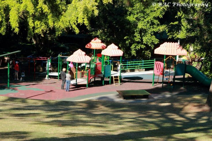 This park review was updated in 2013. Roma Street Parklands is in the centre of the city - picnic one day, playground the next. Roma Street Parklands - The