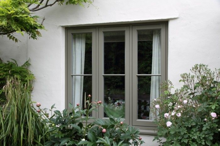 Slim casement windows
