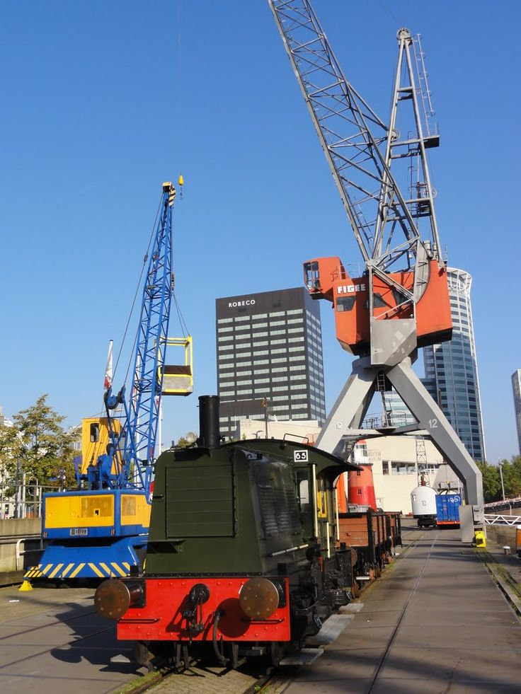 Small diesel engine and cranes at the Maritime Museum.
