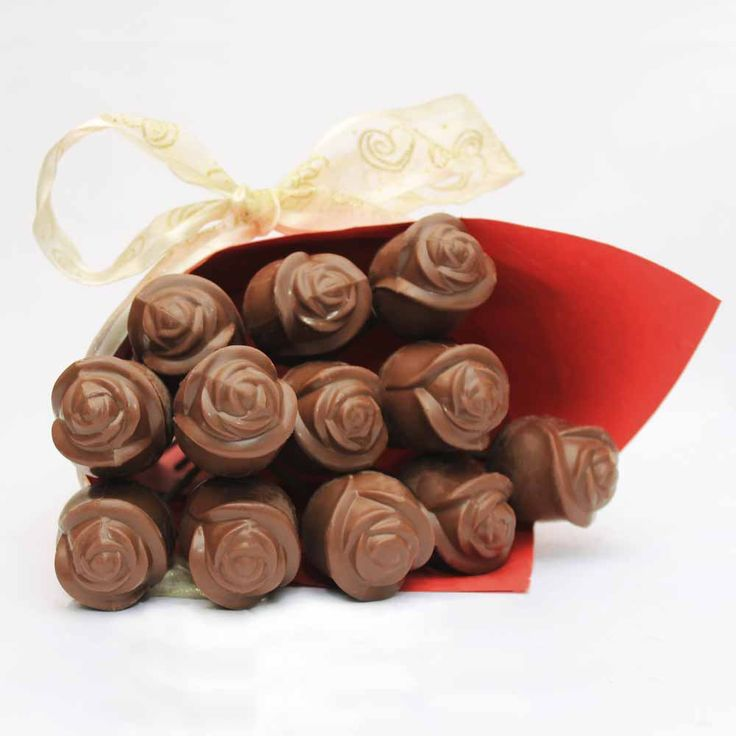 Send birthday gifts to your girlfriend in India from our online store at Tajonline.com. For more information click here: http://www.tajonline.com/gifts-to-india/gifts-CHF02.html