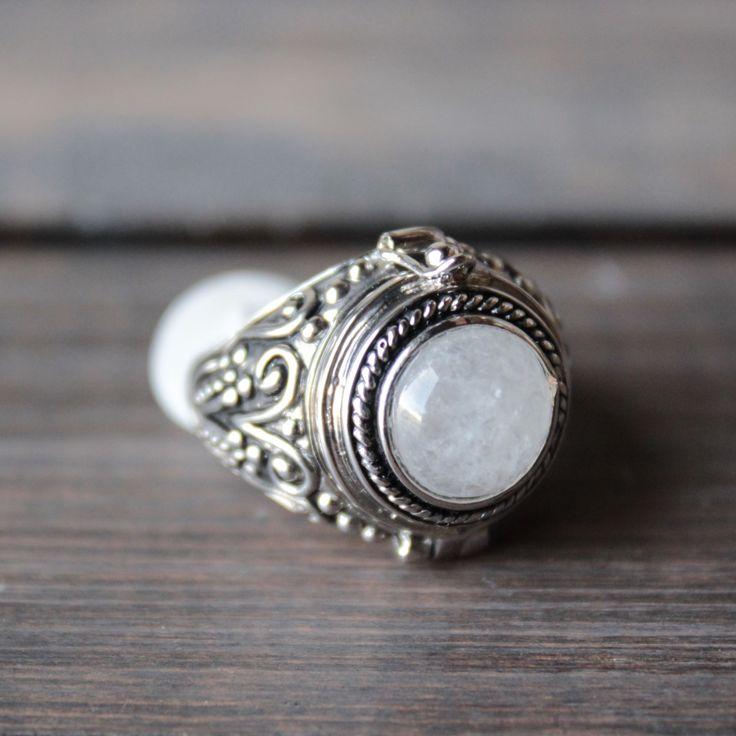 rock n rose - alma moonstone poison ring - shophearts - 1