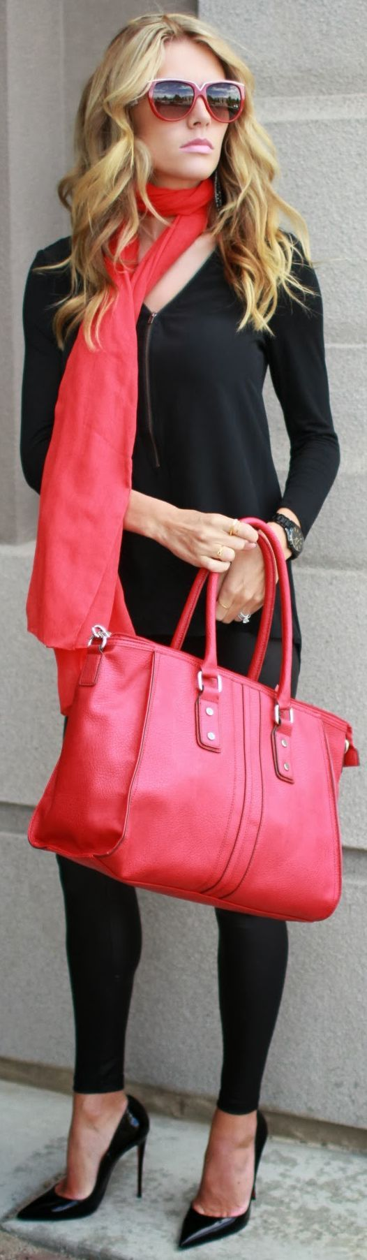 Similar bag available from #stelladot at www.stelladot.com/elainemarshall (Madison bag in Poppy)