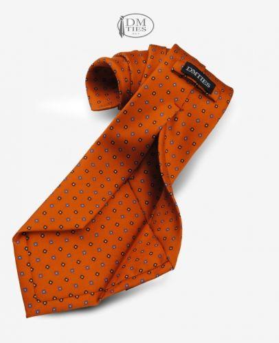 TIRANA - Cravatta 7-pieghe lusso in seta stampata arancione http://www.dmties.com/negozio-online/cravatte/cravatte-7-pieghe-lux/tirana-cravatta-7-pieghe-lusso-in-seta-stampata-arancione-c7plx004a