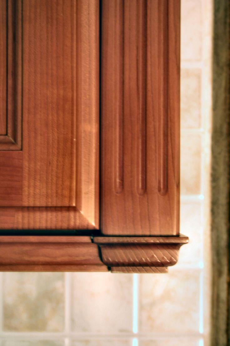 dettaglio mobile cucina in ciliegio