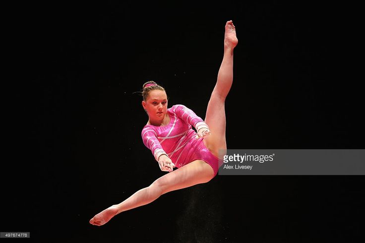 Amy Tinkler of Great Britain competes on the Uneven Bars during day seven of the 2015 World Artistic Gymnastics Championships at The SSE Hydro on October 29, 2015 in Glasgow, Scotland.