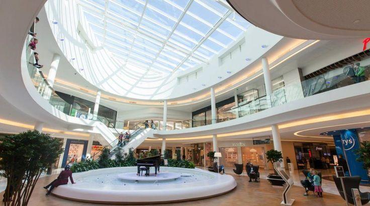 Toison d'Or (Francia). El Centro Comercial en Dijon abrió el Año Pasado y Tiene 72.000 METROS CUADRADOS.