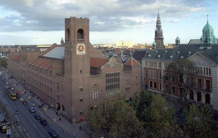 rationalisme, 1900-1920  kenmerken zijn: beton, staal en glas, vooral rechtlijnige gebouwen