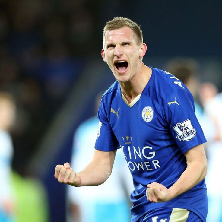 Leicester City winger Marc Albrighton signs new contract through to 2020