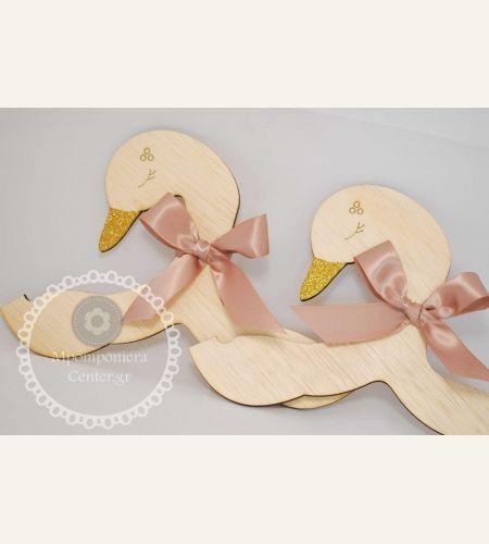 Μπομπονιέρα κρεμάστρα παιδικού ρούχου κύκνος -    Swan hanger