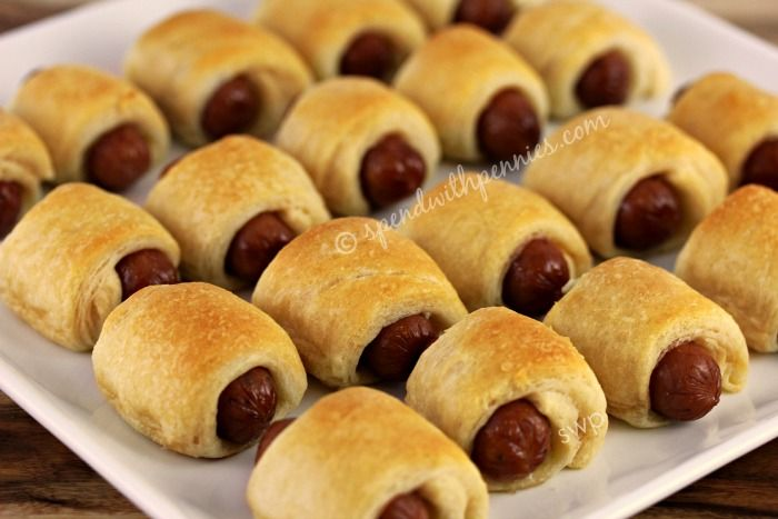 Mini Crescent Dogs (Pigs in a Blanket)!  Just 2 ingredients!