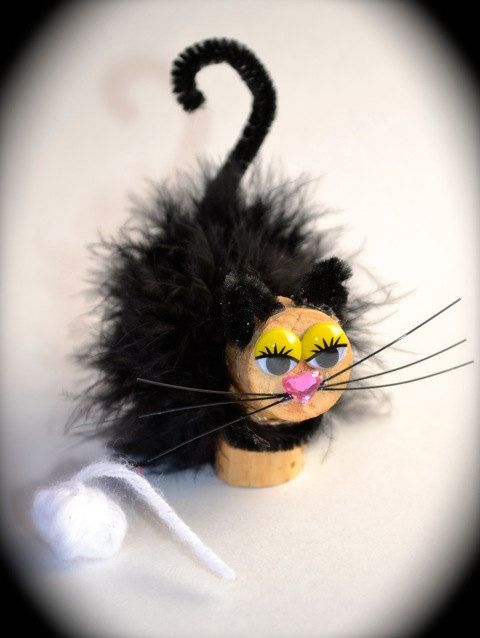 Kitty Cat Wine Cork Ornament on Etsy, $9.00 Great idea to use feather for middle to sim hair