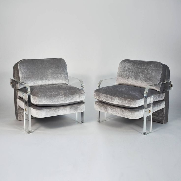 Vladimir Kagan, Pair of Oversized Lucite Lounge Chairs, USA, circa 1970s   From a unique collection of antique and modern armchairs at https://www.1stdibs.com/furniture/seating/armchairs/
