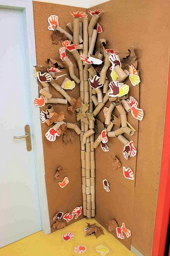 "Make a tree with cardboard tubes! ("",)"