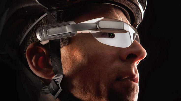 Garmin Varia Vision, il nuovo dispositivo che trasforma gli occhiali del ciclista in un vero e proprio display su cui leggere i dati rilevati dal proprio GPS bike computer Edge compatibile, senza distogliere lo sguardo dalla strada. Connesso con il sistema Varia Bike Radar, permette al ciclista di monitorare anche