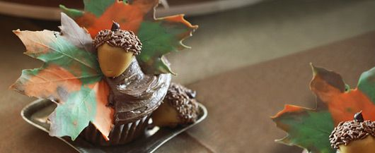 autumn leaves cuppies: Acorn Cupcakes, Fall Leaves, Chocolates Leaves, Autumn Leaves, Cupcakes Recipes, Fall Cupcakes, Thanksgiving Cupcakes, Maple Leaves, Leaves Cupcakes