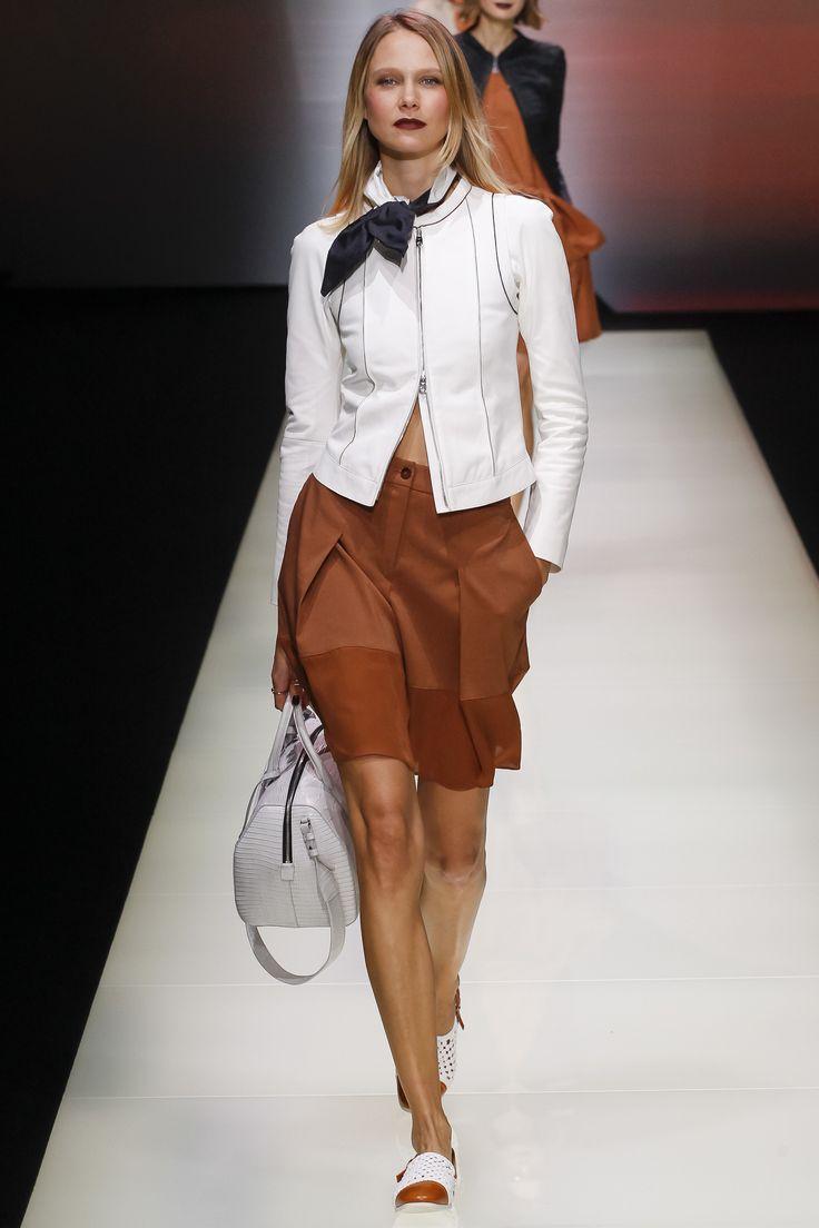 Emporio Armani Spring 2016 Ready-to-Wear Fashion Show ...