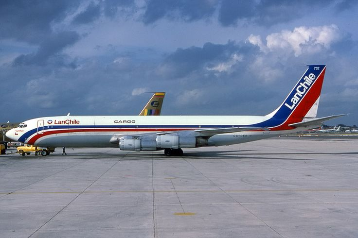 PlaneSpotters Slide-Collections: Lan Chile Cargo Boeing B707-385C CC-CEB (cn. 19000) del 20.12.1969 - MIA mid 80's out of service 1989 and sold to Israel Defence Force - AF