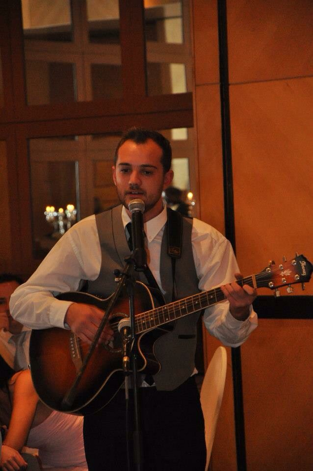 Guitarist For Special Wedding Songs