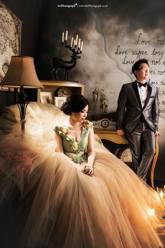 La Vie est Belle l Chandra and Merry l By Team | Pre Wedding Photography