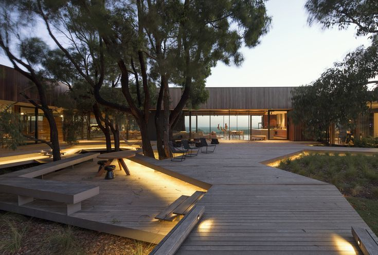 tony hobba architects / demons bluff house