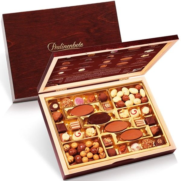 Looking for a Valentine's Day gift? Try this delicious selection of chocolates by some of the best German confectioneries at Pralinenbote.