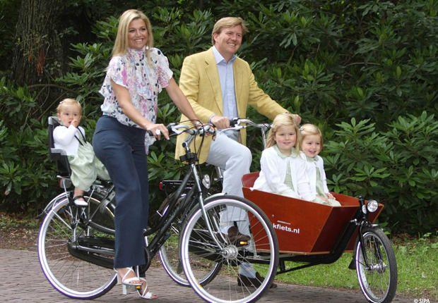 Willem-Alexander et Maxima des Pays Bas avec leurs filles