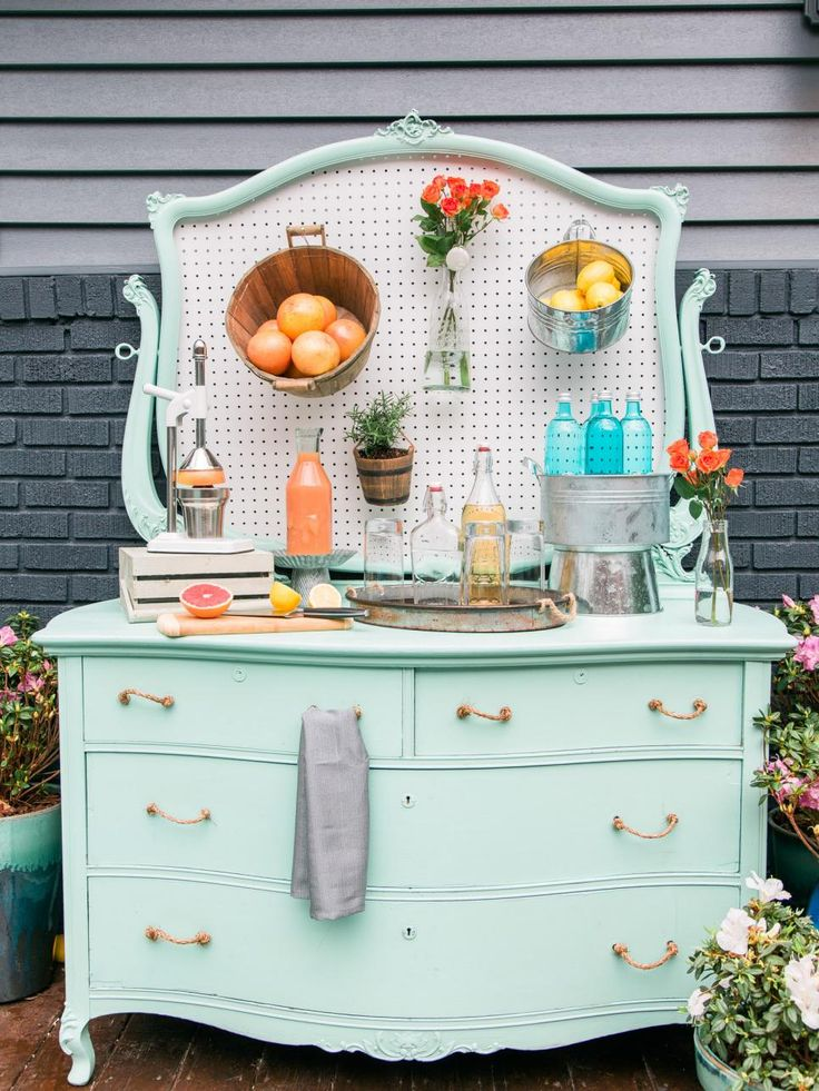 Host a Farmer's Market-Inspired Porch Party | HGTV >> http://www.hgtv.com/design/make-and-celebrate/entertaining/how-to-host-a-farmers-market-inspired-spring-porch-party-pictures?soc=pinterest