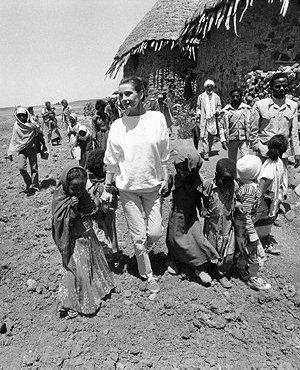 In 1988, Audrey accepted what she considered her greatest role as a UNICEF International Goodwill Ambassador. For 5 years, Audrey traveled to over 20 countries witnessing innocent children struggling for survival (shown here in Ethiopia '88).