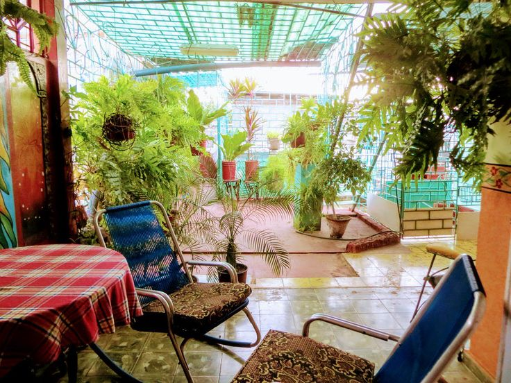 www.tropicalcubanholiday.com Holguin Cuba casa particular accommodation