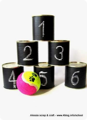 game with painted tin cans    gioco con barattoli dipinti