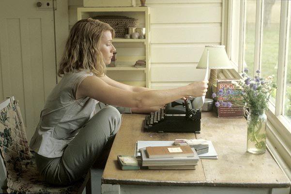 « La cloche de détresse » (« La cloche de verre ») de Sylvia Plath: « Le monde, ce mauvais rêve… » http://www.buzz-litteraire.com/20111010782-la-cloche-de-detresse-sylvia-plath/