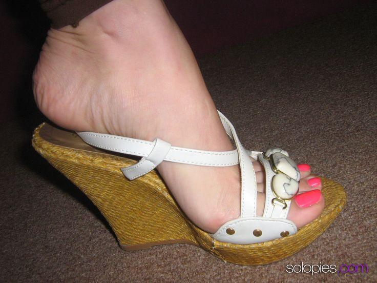 Amateur foot picture