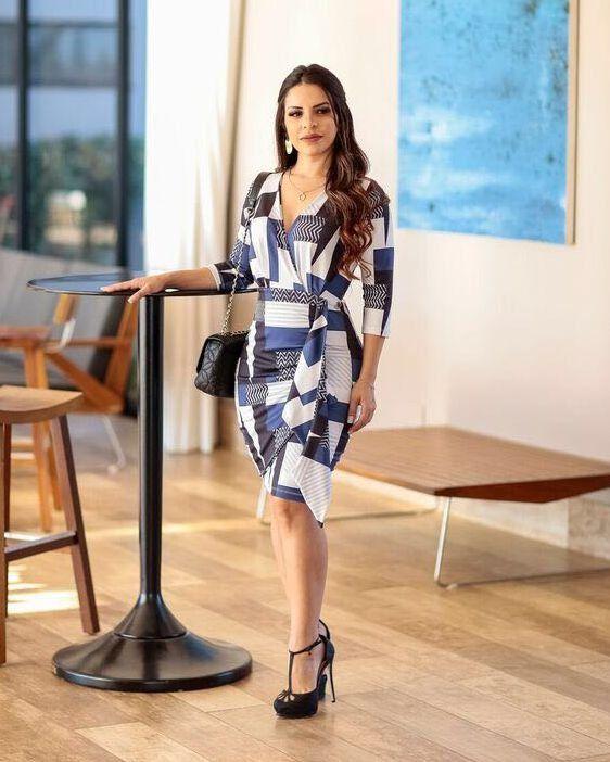 6812dd586 Vestido Tubinho Transpassado Moda Evangélica em 2019   Vestidos ...