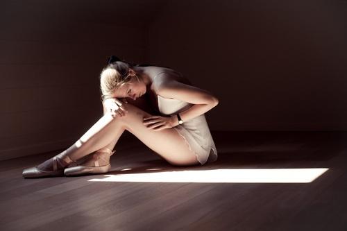 idea pose for my Black Swan photoshoot. :)