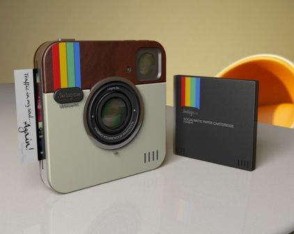 Omg I hope they make one for real.l seems like polaroid is coming back :D miss those cameras