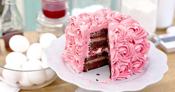 Chokladtårta med smak av hallon och lime.
