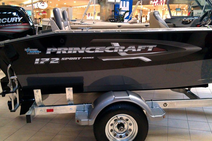 The new 2016 Princecraft DLX, Sport and Expedition series decal logo.