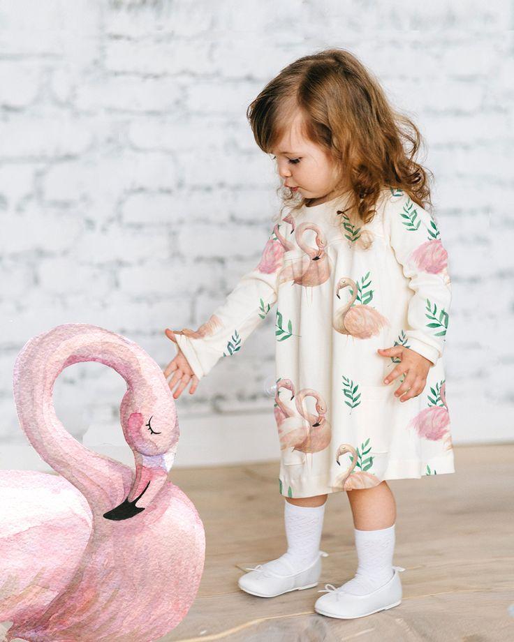 Это платье с фламинго стало нашим хитом еще до старта продаж. Нежный акварельный принт, чудесный мягкий хлопковый материал, который мало мнется. Настоящее сокровище! Для малышек от 1 годика до 5 лет.  Для заказа⤵⤵⤵ BAMBINIC.RU  ☎️+7 (343) 290-30-70, WhatsApp +7 (902) 400-50-70   #bambinic #модныедети #стильныедети #красивыедети #фламинго #flamingo #платьесфламинго #моднаядетскаяодежда #новаяколлекция #мама#ямама#инстамама#дочка #подарокдочке #платье #платьедлядевочки…