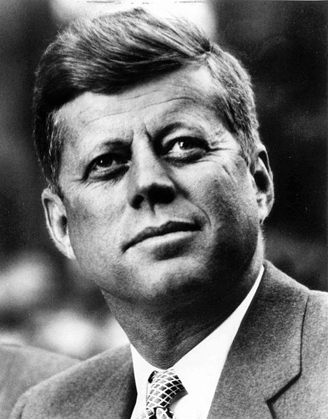 il y a 50 ans aujourd'hui 22/11/1963 John Fitzgerald Kennedy, le 35e président des États-Unis a été assassiné. DÉCHIRURE.