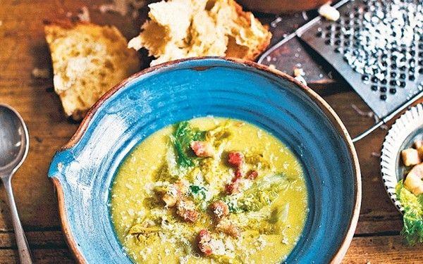 Split pea soup with lettuce (Zuppa di piselli secchi con lattuga)