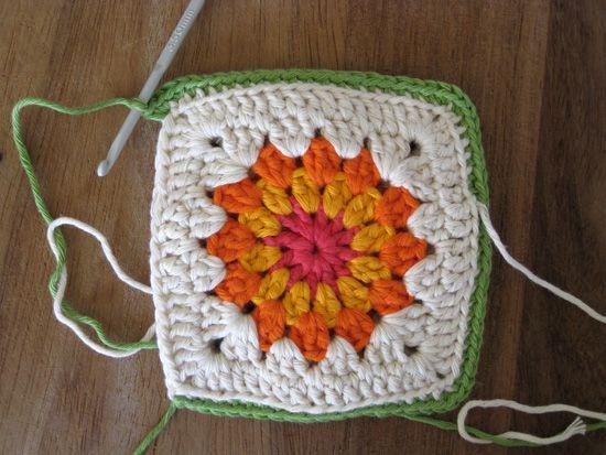 {Pincushion Swap} Keri's Crochet Flower Pin Cushion Tutorial – House of Pinheiro