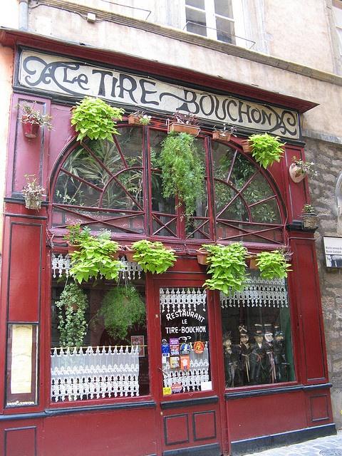Restaurant le Tire Bouchon by christine.petitjean, via Flickr PARIS