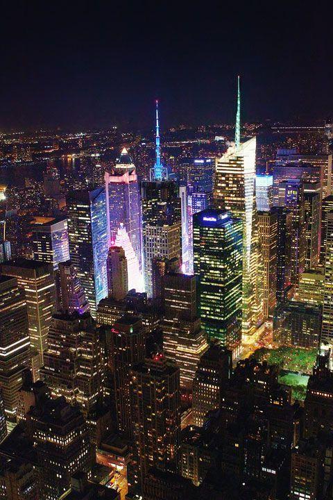 New York City, NYC skyline, Manhattan. The Empire State Building at Night