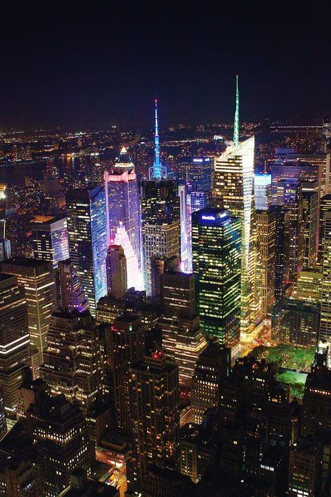 New York City, NYC skyline, Manhattan. The Empire State Building at Night