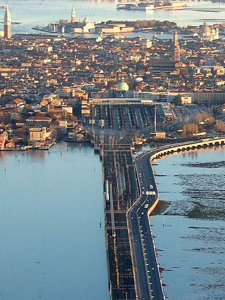 Venezia Santa Lucia train station,Venice, Italy, photo by Unofeld781.