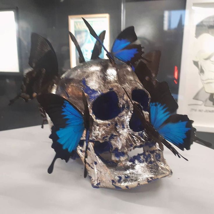 Today... Paris  #paris #sculpture #butterfly #artmuseum #contemporaryartgallery #artist#parisart #cool