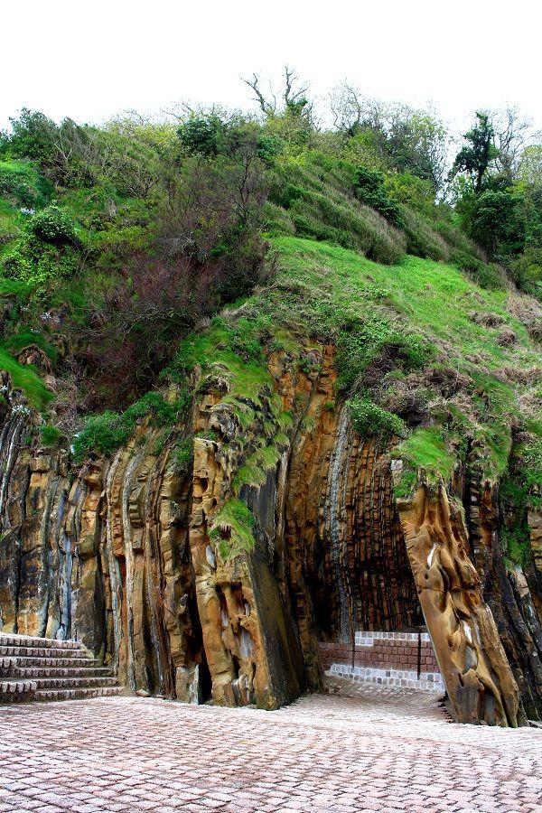 El misterioso encanto del País Vasco, Peine del Viento y Santuario de Aránzazu http://www.recorriendo.com/2014/07/17/peine-del-viento-y-santuario-de-aranzazu-dos-imperdibles-del-pais-vasco/